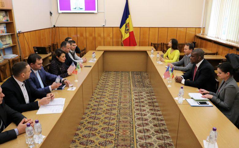 Ambasadorul SUA în R. Moldova, în vizită la USARB